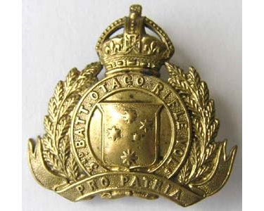 B02/185. 3rd BATTALION, OTAGO RIFLE VOLUNTEERS, cap/collar