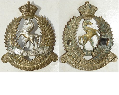 B04/186a. NZMR REINFORCEMENTS cap badge, Bi-metal