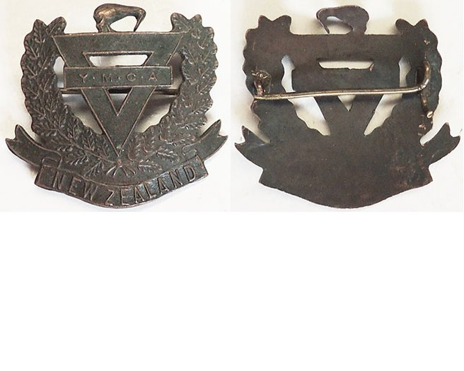 B04/321. WWI YMCA cap badge, fern wreath, bronze