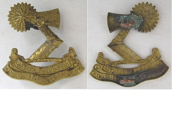B06/022. 3rd (AUCKLAND) REGIMENT left collar badge, brass