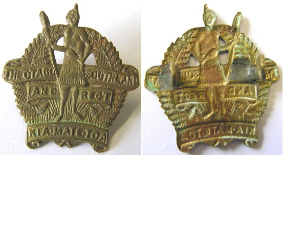 B06/044. OTAGO & SOUTHLAND REGIMENT rough strike cap badge bras