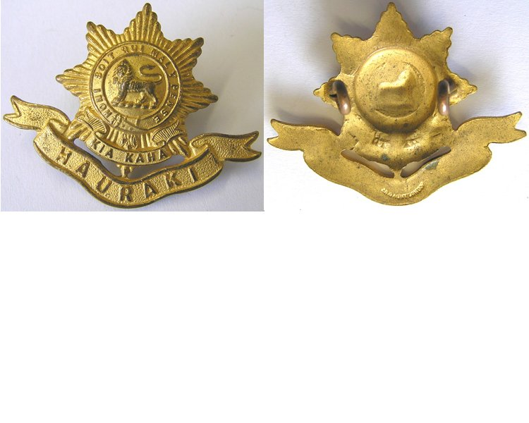 B06/061. 6th (HAURAKI) REGIMENT cap badge, gilt