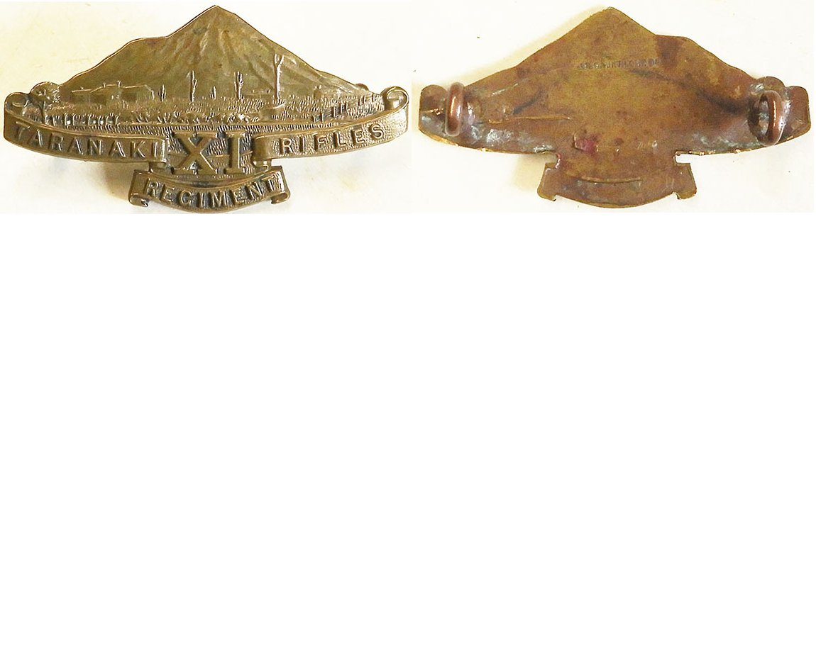 B06/106. 11TH (TARANAKI RIFLES) REGIMENT, cap / collar, bronze