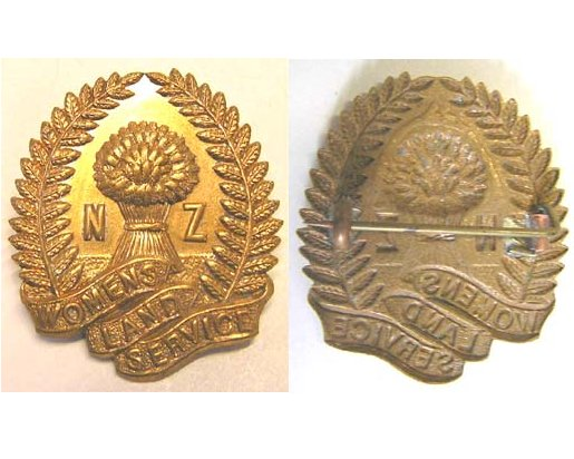 B07/025a. N.Z. WOMEN'S LAND SERVICE brass blouse badge