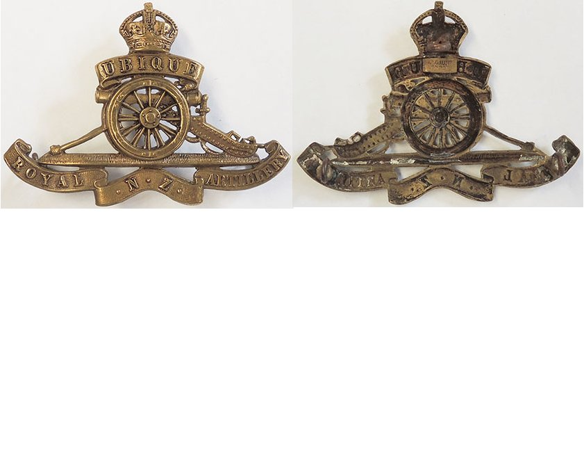 B08/062. ROYAL N.Z. ARTILLERY brass cap badge, Kings crown