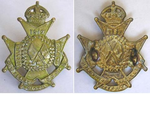 B08/328. NZ SIGNAL CORPS (NZE) brass cap badge, Kings crown
