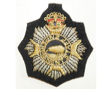 B08/300a	NZ PERMANANT STAFF, wire woven cap badge