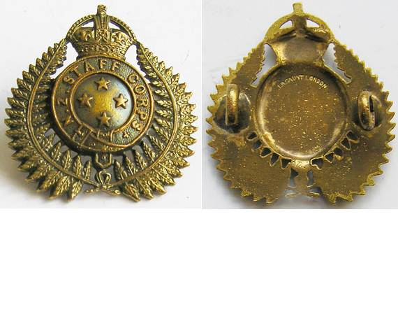 B08/360. NZ STAFF CORPS gilt cap/collar badge 4 star centre gilt