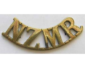 B12/090. NZMR, curved (NZ Mounted Rifles) hexagonal lugs