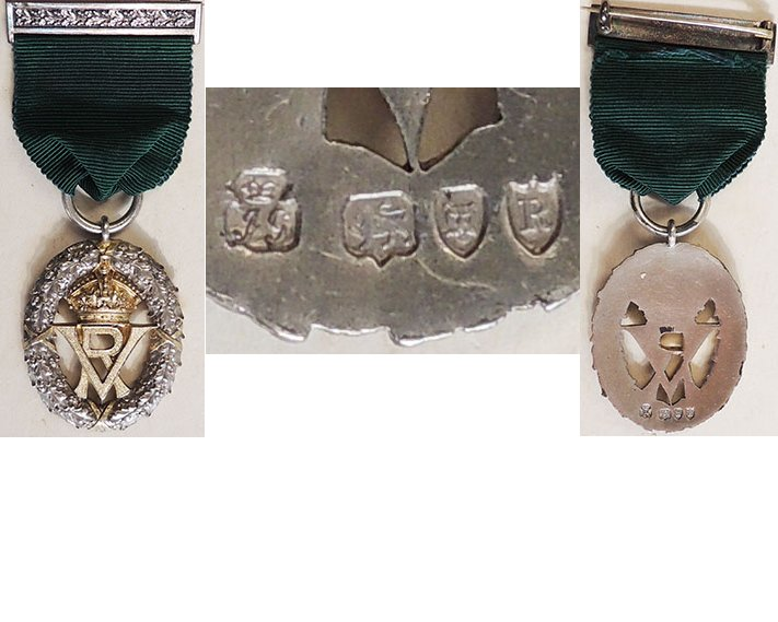 ESA020. VOLUNTEER DECORATION, VR centre, silver hallmarked 1892