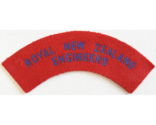 CST040. ROYAL NZ ENGINEERS, blue on red, larger red patch