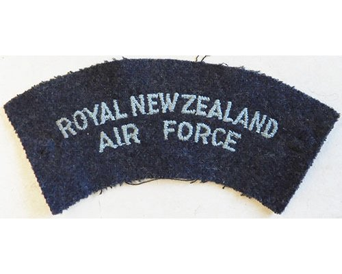 CST077. ROYAL NZ AIR FORCE, light blue woven on blue/grey
