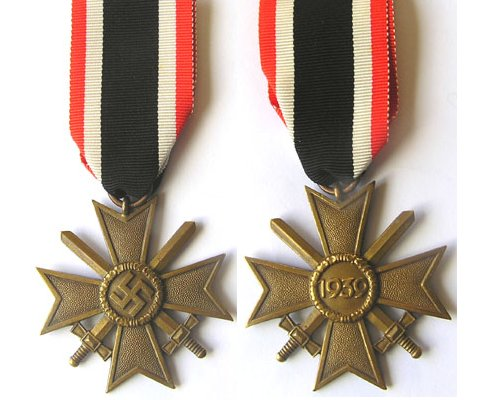 FM0324. WAR MERIT CROSS 2nd Class 1939 with swords