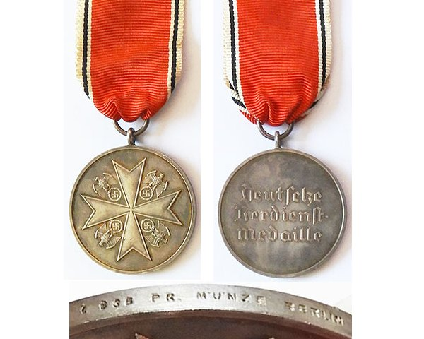 FM0711b. ORDER OF THE GERMAN EAGLE, silver medal without swords