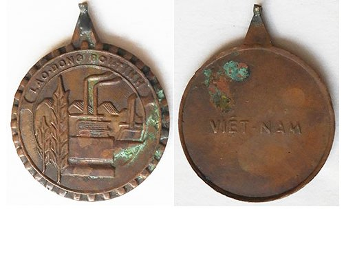FM1063. SOUTH VIETNAM LABOUR MEDAL Third class