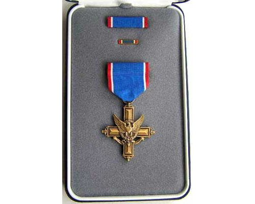 FM0902. DISTINGUISHED SERVICE CROSS (ARMY) in case of issue