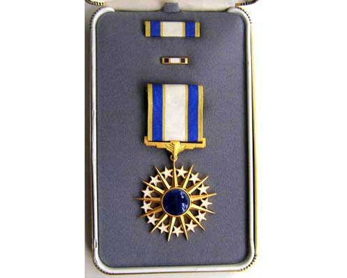 FM0908. AIR FORCE DISTINGUISHED SERVICE MEDAL in case of issue