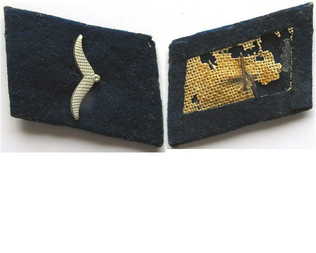 GC1418. LUFTWAFFE MEDICAL PRIVATE'S RIGHT COLLAR TAB, dark blue