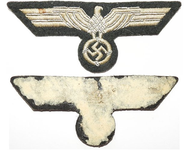 GC2157. WEHRMACHT BREAST EAGLE, white cotton with silver wire