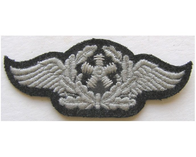 GC2453. LUFTWAFFE AIRCRAFT TECHNICAL PERSONNEL on black wool