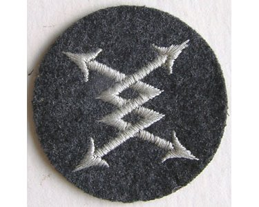 GC2458. LUFTWAFFE AIR SIGNAL PERSONNEL sleeve patch