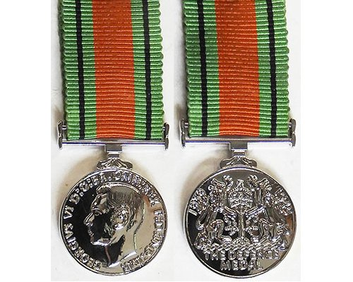 MIN1364. Miniature Defence Medal - New striking