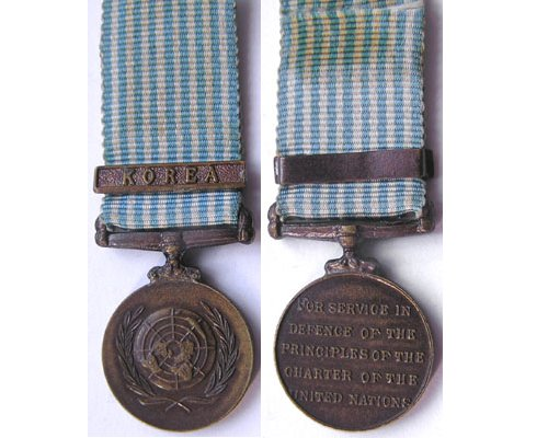 MIN1381. Miniature United Nations Medal with clasp Korea