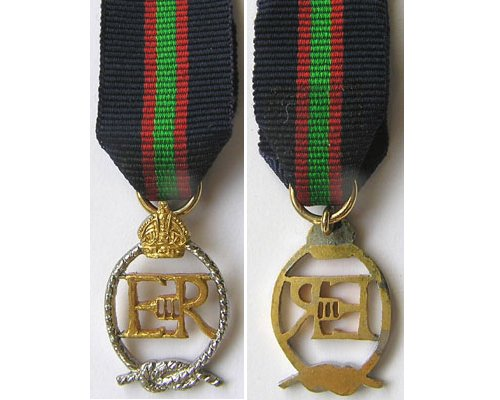 MIN1947. Miniature RNZ Naval Volunteer Reserve Dec. EIIR cypher
