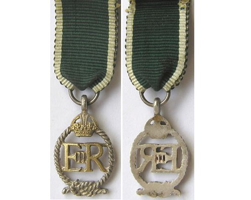 MIN1950. Miniature Royal NZ Naval Reserve Decoration EIIR cypher
