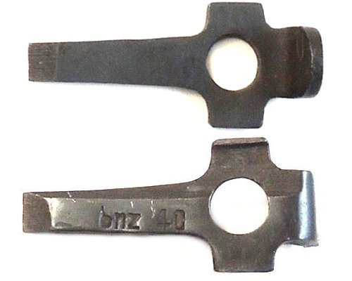 WH1310. GERMAN P08 LUGER STRIPPING TOOL, marked bnz40